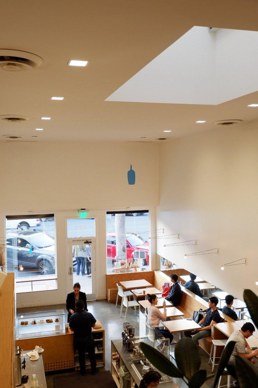 Bird-eye-view-of-blue-bottle-cafe