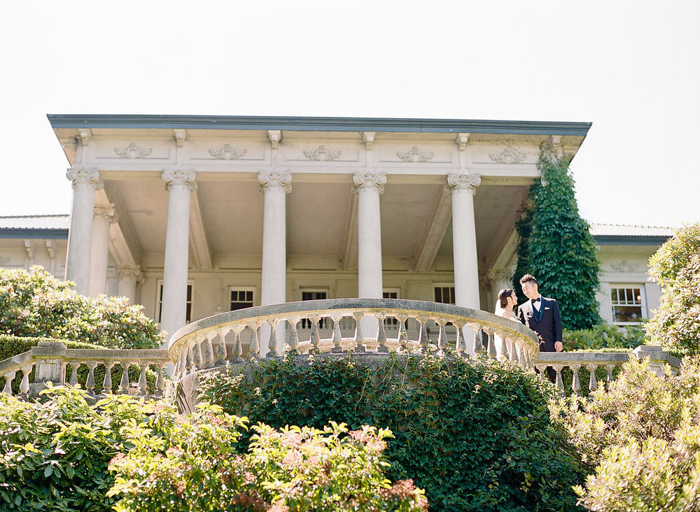 Hycroft-wedding-veranda-area-for-photos