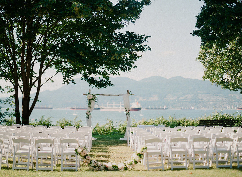 Brock-house-wedding-ceremony-with-ocean-views