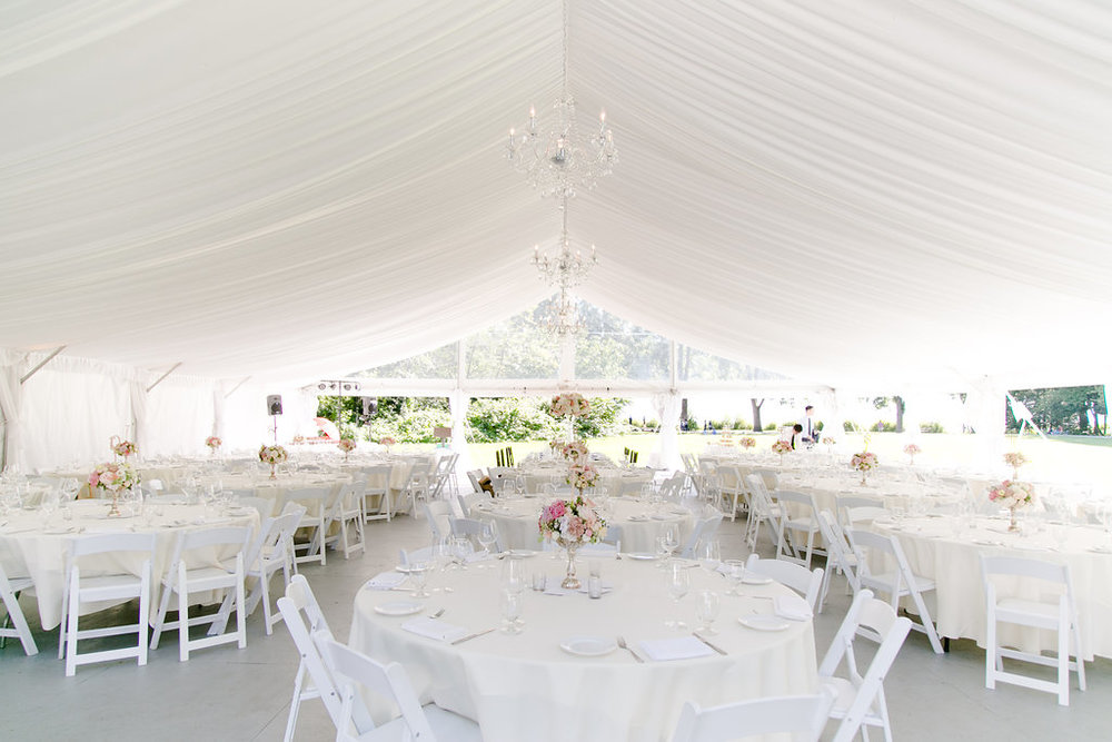 Hart-house-wedding-tent-with-chandalier