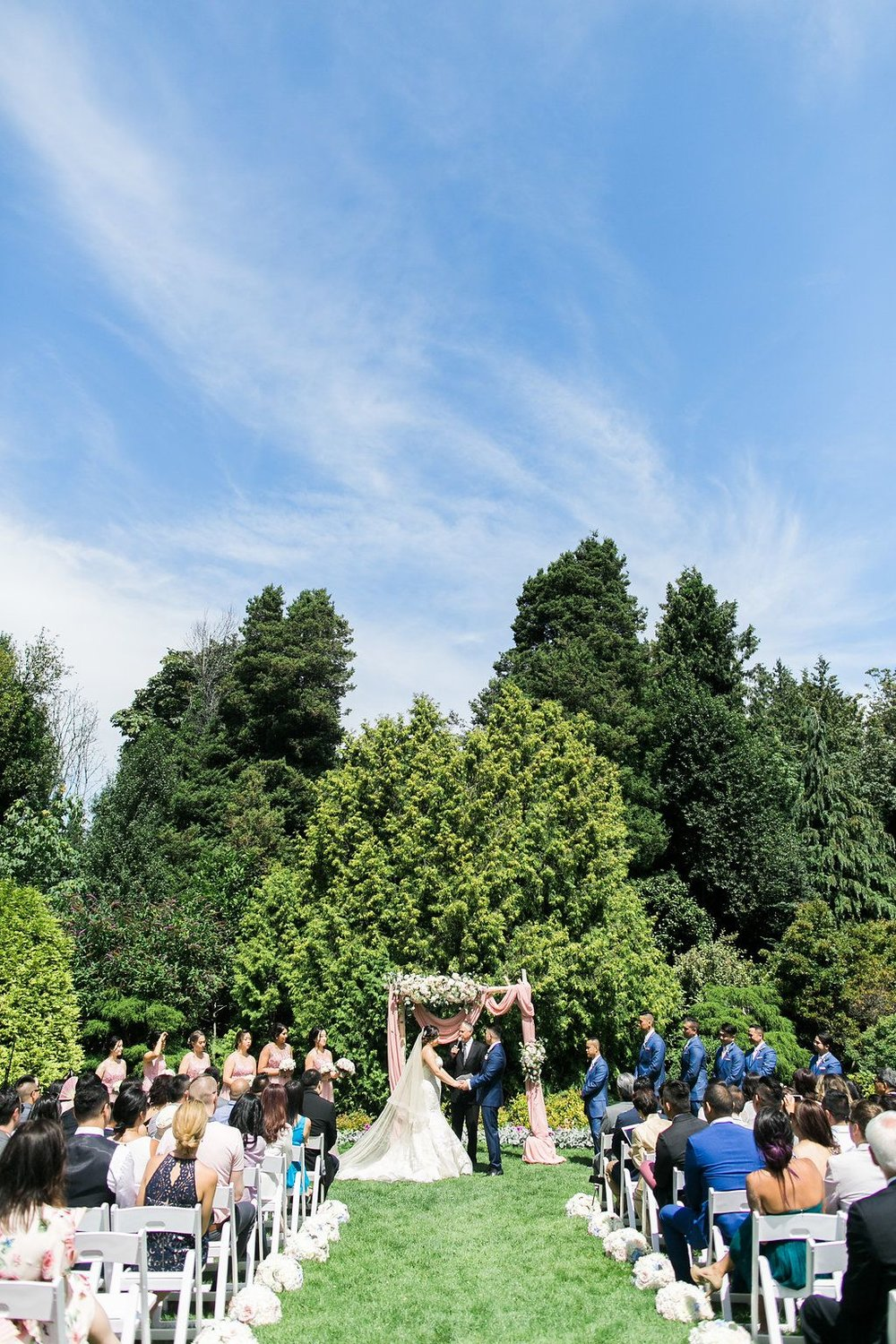 Cecil-green-park-wedding-ceremony-with-arch