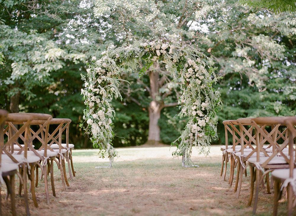 Queen-Elizabeth-Park-outdoor-wedding-decor