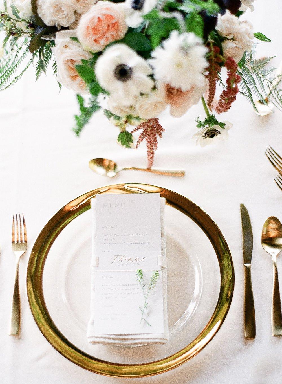 Wedding-reception-table-setting-gold