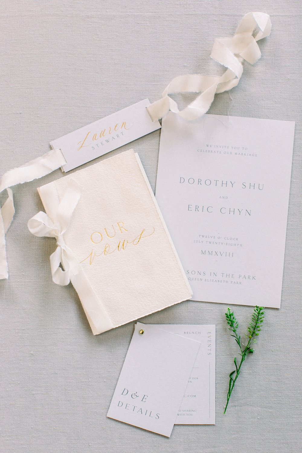 Vow-books-and-day-of-stationery