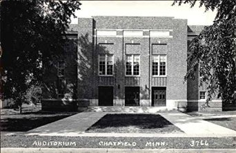 auditorium-chatfield-minnesota-original-vintage-postcard_10811078.jpg