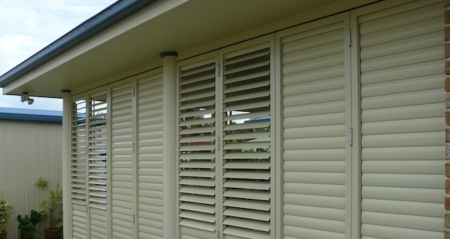 ALUMINIUM       LOUVRES  - Are you looking for a stylish yet practical solution for your windows or outdoor area, providing privacy, ventilation and protection?