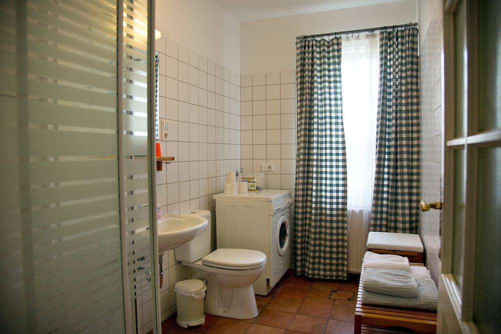 Duschbad im Erdgeschoß
