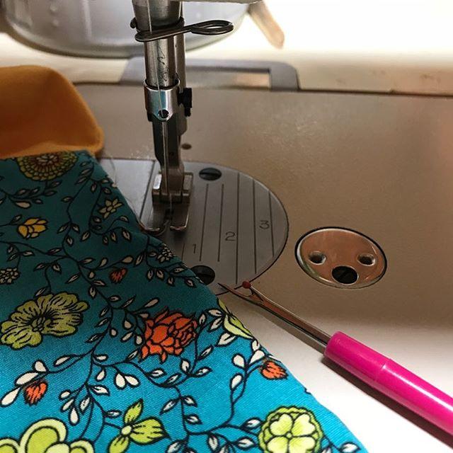 Lundi • Late night sewing