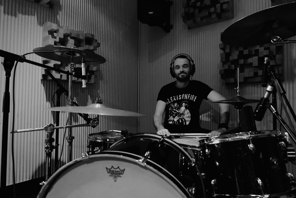 Happy Drums bw .jpg