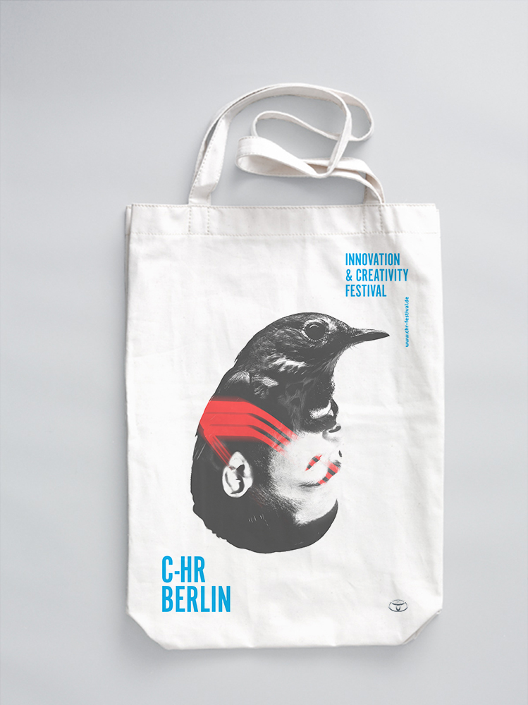 C-HR_BERLIN_Merch_Bags_3b.jpg