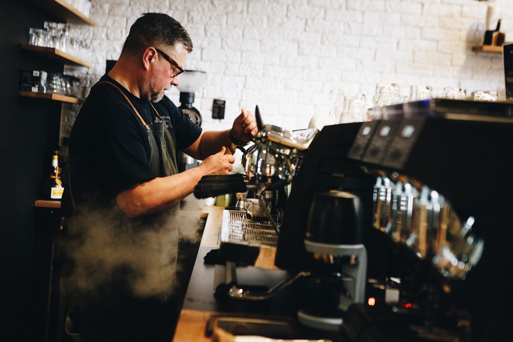 ©TomWoollard_editorial-lifestyle-man-making-coffee-in-holy-cross-brewing-society-cafe-Frankfurt.jpg