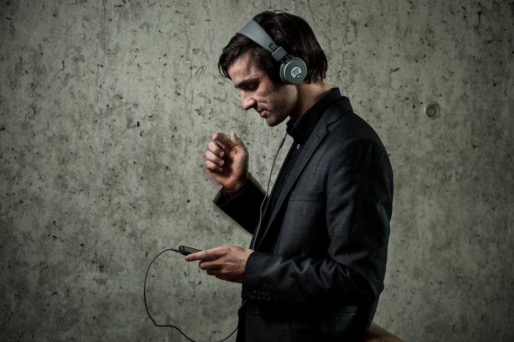 ©TomWoollard_Spotify_Berlin-Marcel-Grobe-editorial-portrait-stylish-man-listening-to-music-wearing-headphones.jpg