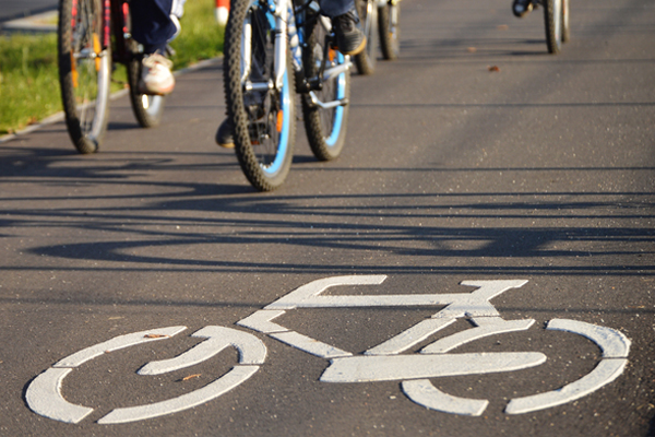 CYCLING  Manchester has 10 established bike routes. There are also Cycle Hubs that provide a safe place to store your bike.