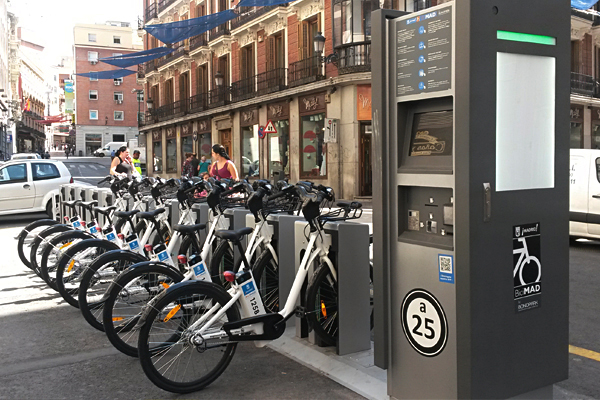 CYCLING  Cycling in Madrid is only recommended to those traveling short distances or going through parks. Bicycle shops often ask that you leave proof of identity when renting a bike as well as a cash deposit.