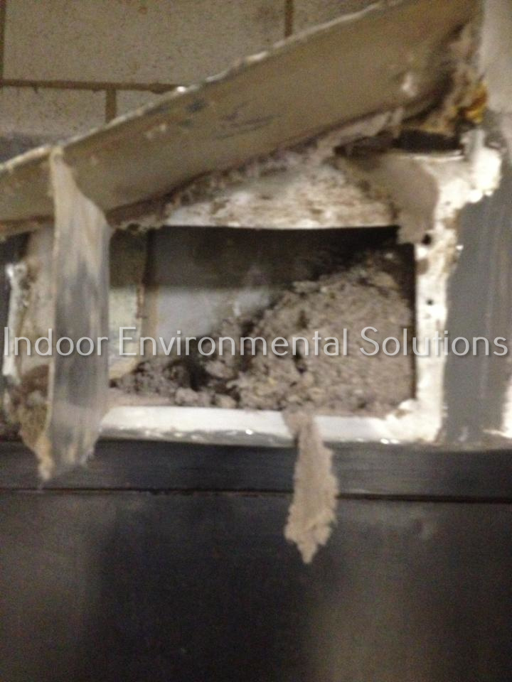 7+East+86th+lint+filled+dirty+ductBEFORE.jpg