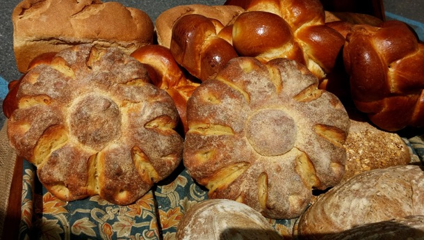 The Flour Shop - Artisan breads and baked goods produced in Bethlehem, PA, available only at local farmers markets.
