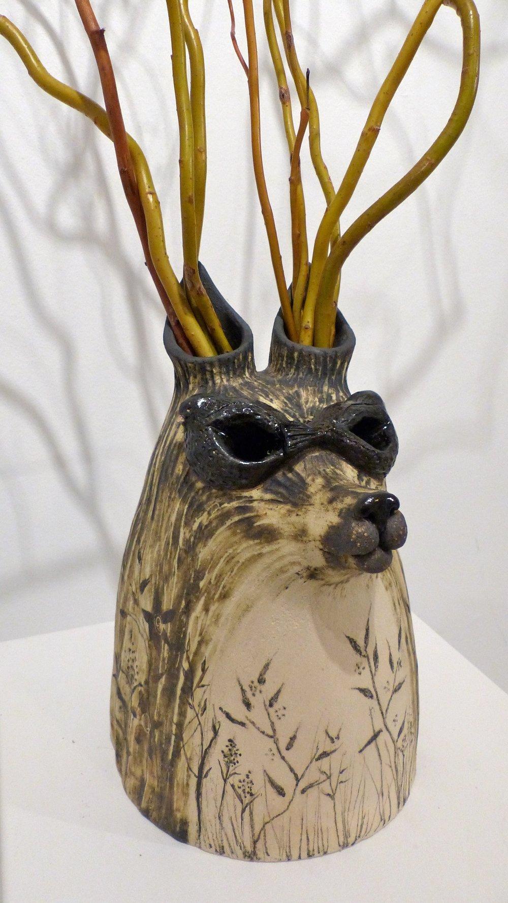 Cerf-loup noir - grès blanc, oxydes & émail - 650€