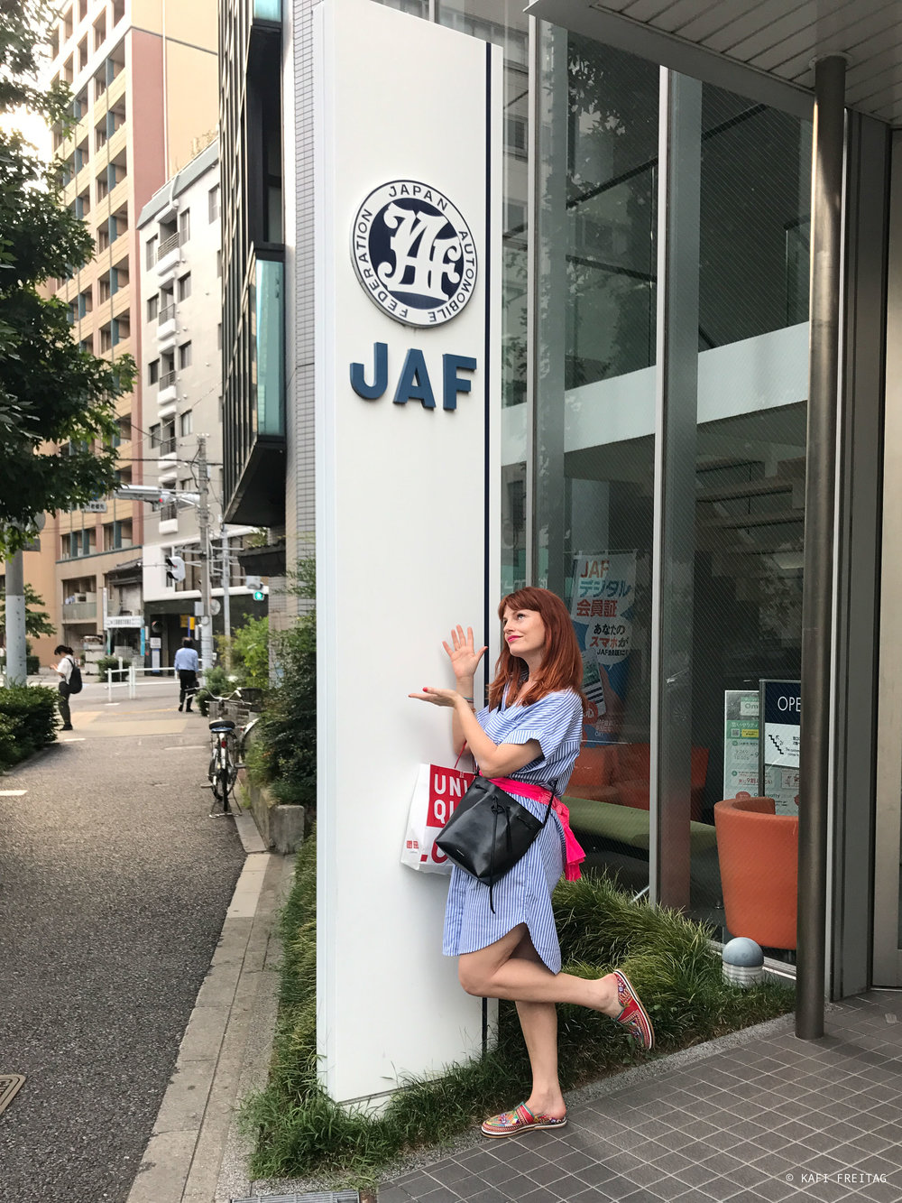 Nach 3 Stunden endlich im Besitz eines Führerscheins für Japan, geht doch!