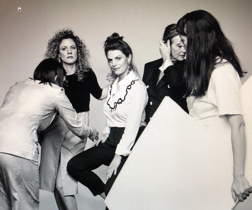 Ein Take-out vom Musen Shooting für die Modissa. Mit im Bild die grossartigen Frauen Kim Petri und Barbara Higgs. Mehr darüber demnächst im Making-off.