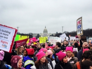 Tens of Thousands of College Students and Professors March on Washington