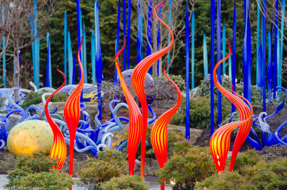 Dale-Chihuly-Glass-Garden-3.jpg