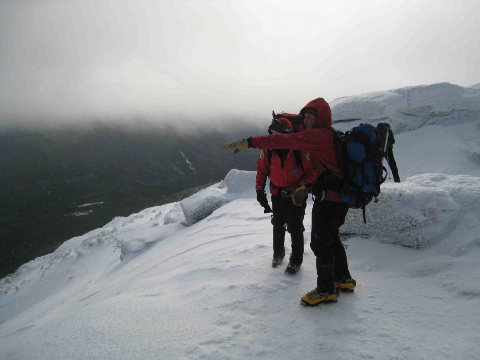 Search and Rescue operating on Mt. Lafayette, Winter 2007.  Source