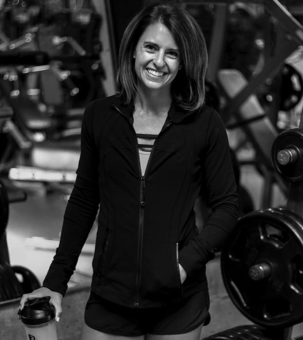 BIO  - In addition to being your personal cheerleader, Katie Harlan is the founder and CEO of Harlan Coaching! Katie has 6 + years experience in health and fitness, including a nutrition certification from Precision Nutrition and certification in 5 different group fitness formats.Katie is a busy mom of three and wife to her best friend, Chris. She loves traveling and soaking up experiences that improve her quality of life. And she ESPECIALLY loves sharing simple solutions with her amazing, high vibe clients!!