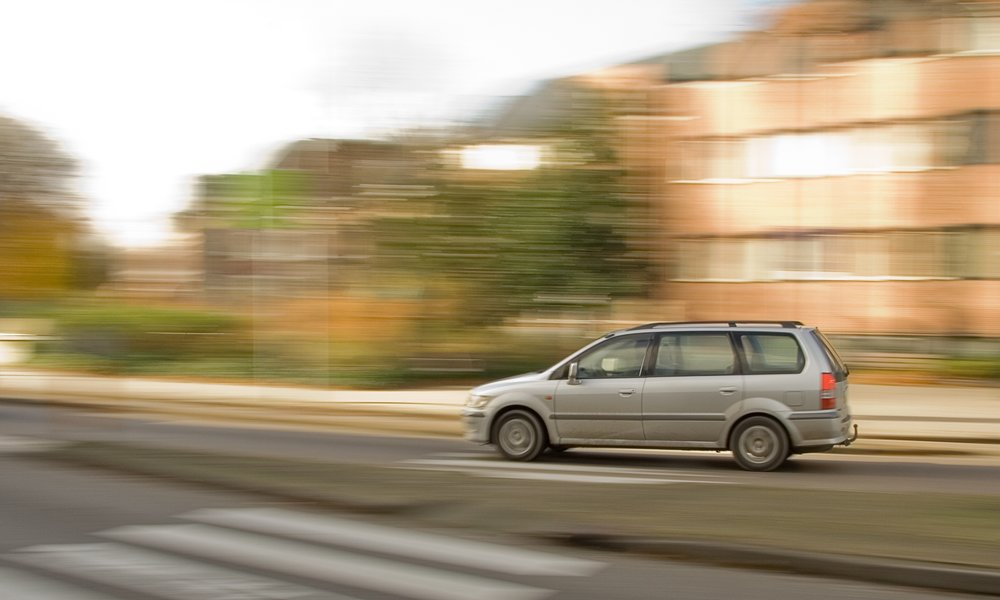 fast-car-1185336.jpg