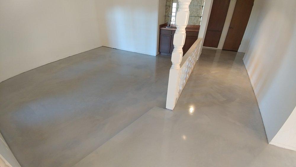 aluminum and pearl concrete metallic