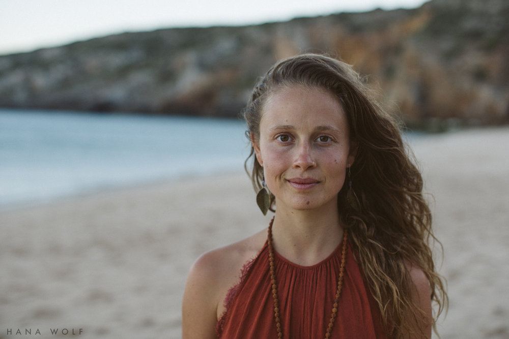 _Hana_Wolf_Photography_Unmind_Portugal_BeachSunsetColour_LR-16.JPG
