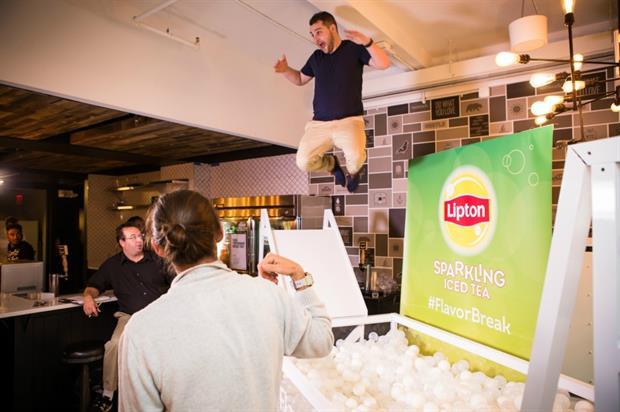 Lipton embraces experiential