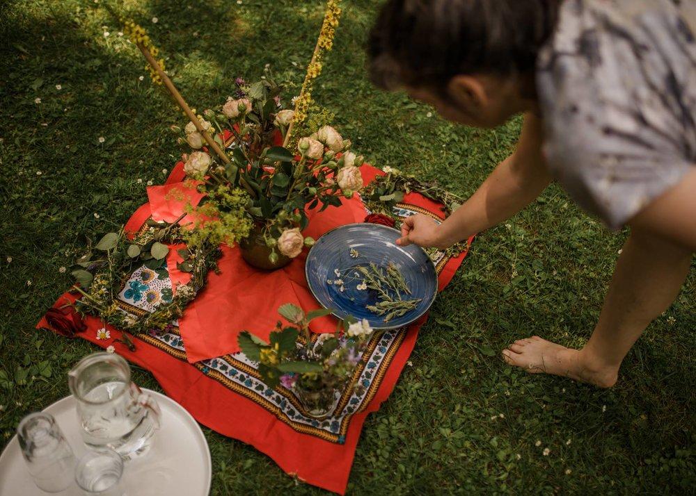 Der Ökofeminismus treibt Blüten. Foto: Kinga Cichewicz