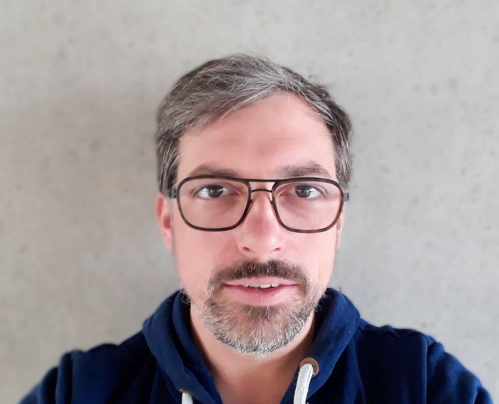 Dr. Christian Reiß hat Biologie, Geschichte der Naturwissenschaften und Technik sowie biologische Anthropologie in Bayreuth und Jena studiert und arbeitet seit 2016 als wissenschaftlicher Assistent an der Professur für Wissenschaftsgeschichte der Universität Regensburg (Prof. Dr. Omar W. Nasim).