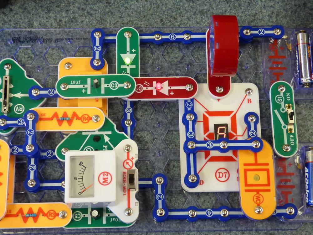Snap Circuits 2.JPG