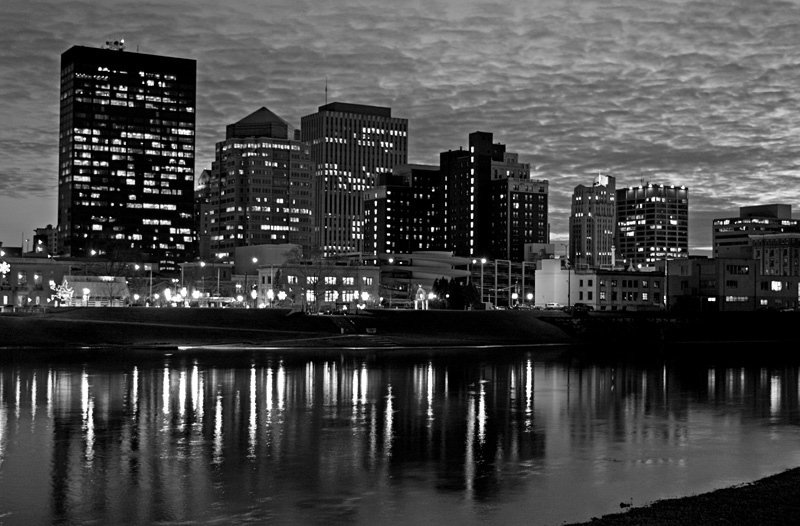 dayton_skyline_after_dark.jpg