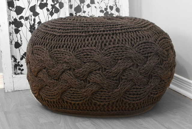 2012009 Chunky Cable Knit Pouf Midknits