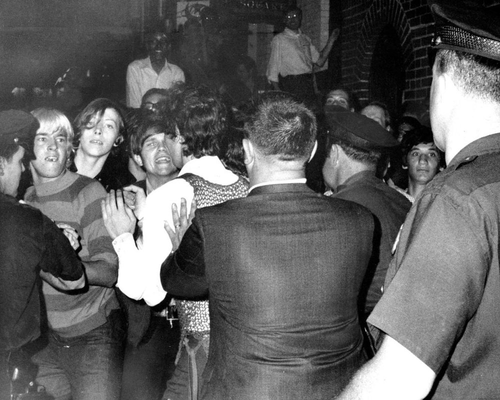 Source: The NY Daily News; crowd attempts to impede police arrests outside Stonewall Inn in Greenwhich Village, New York City.