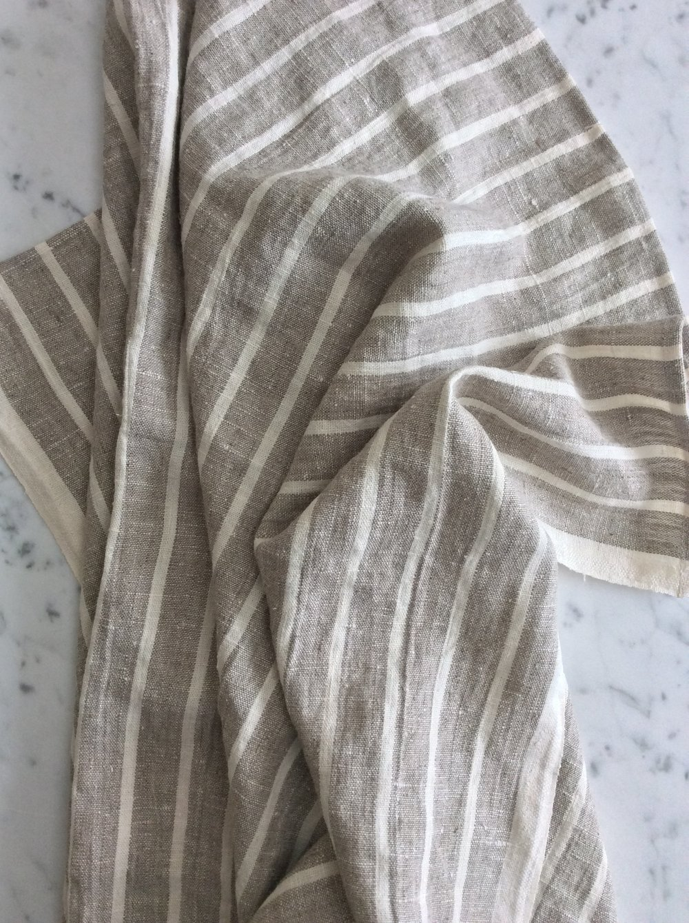 thin_striped_natiural_soft_linen_towel_le_fil_rouge_textiles.jpeg