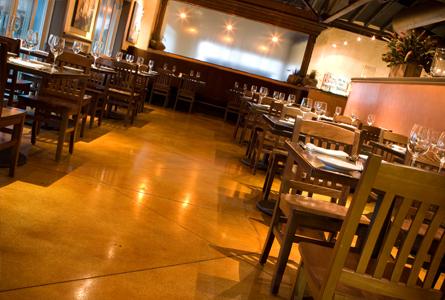 DiningA002.jpg