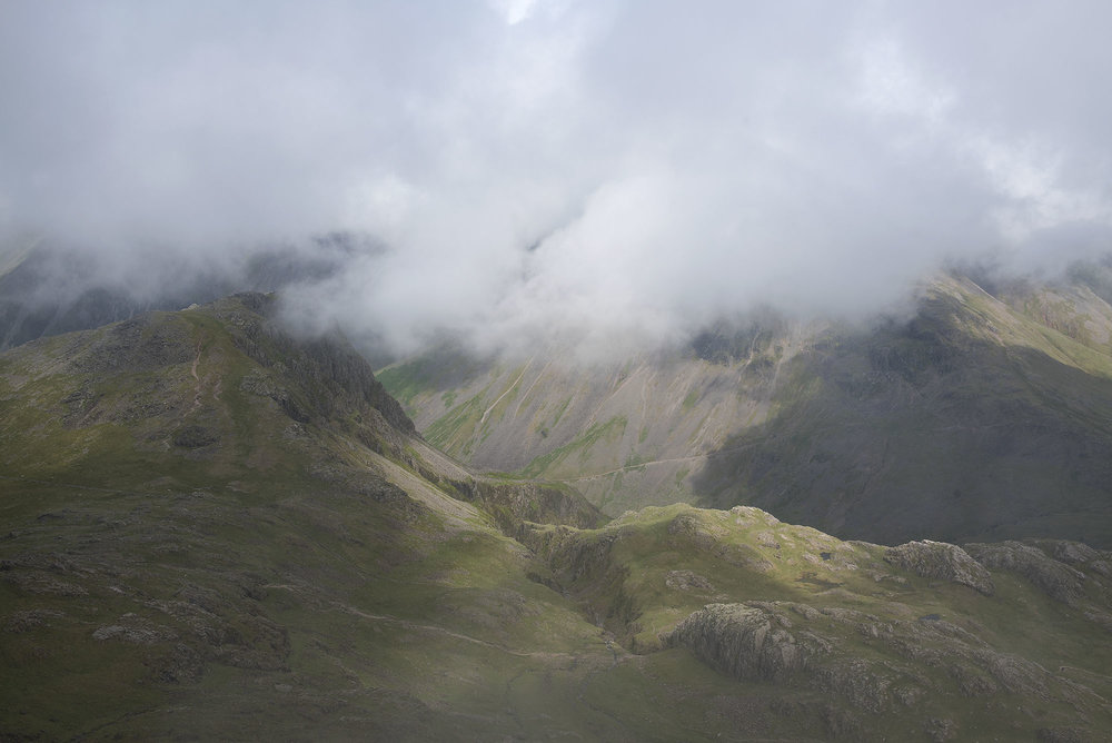 Lingmell from Dropping Crag, Scafell Pike ds.jpg