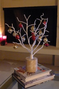 Modern-small-christmas-tree.jpg