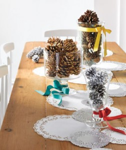 Holiday-pinecone-centerpiece.jpg