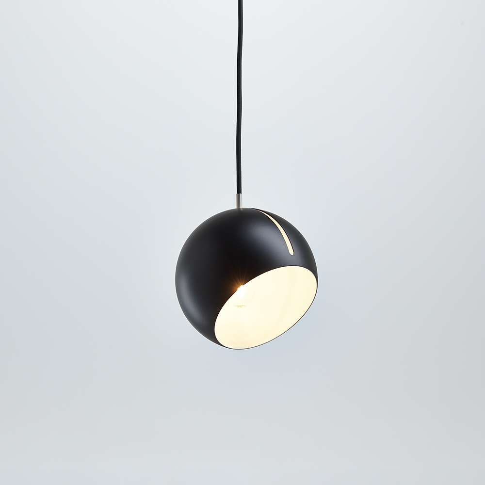 Tilt_Globe_Pendant_Light