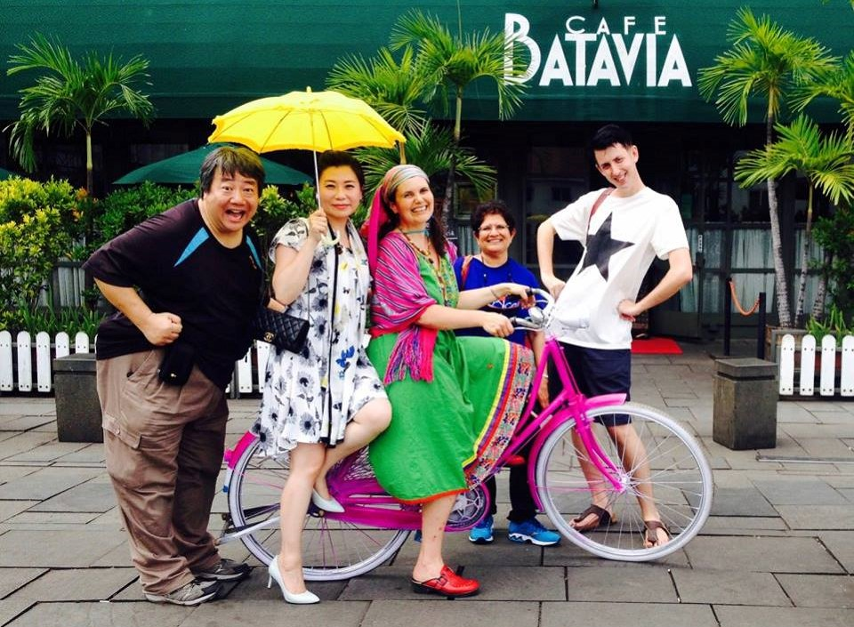 tellers in Jakarta.jpg