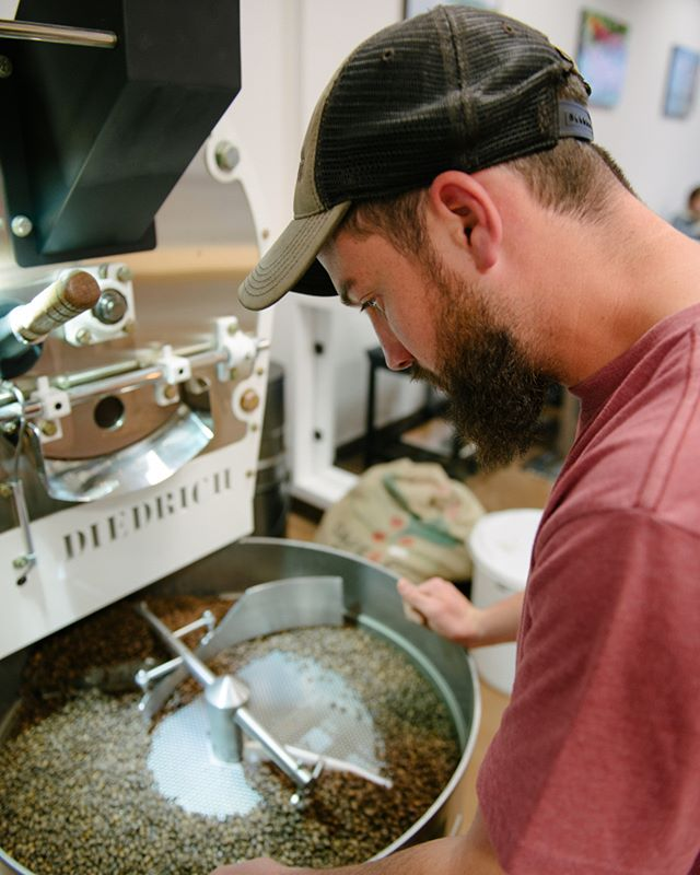 A while back we posted a photo of @ertsosjoey  behind the bar making drinks. A lot of you might not know but he is also our apprentice roaster. Every batch of coffee we have served in shop has been carefully roasted by Joey. He is meticulous and a perfectionist, which you can tell with every cup of coffee and every espresso based drink. . . #toastertuesday #baristaspotlight