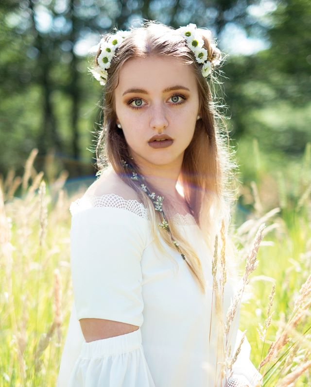 Missing those summer flowers. 🌻 It's already snowing here! I love fall & winter though, it makes me happy! ❄️ model: @malinarosephotography #flowerchild #fashionphotographer #fashionshoot #fashioneditorial #fashionmagazine #fashionmodel #fashionph #vogue #fashiongram #fashiondiaries #topmodel #modeloftheday #beauty #beautyphotography #photographer #photography #portraitmood #ftwotw #of2humans #portrait #portraits #portraiture #portraitphotography #portraitpage #pursuitofportraits #theportraitpr0ject #DiscoverPortrait  #quietthechaos  #featurepalette #nature