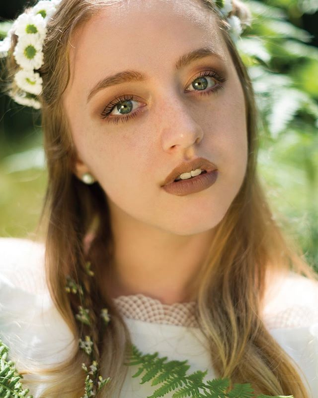 When will Instagram let us upload the photo uncropped? 🙃 I haven't uploaded in a long time, here's a photo from the flower child shoot ! 🌼 model : @malinarosephotography 💖 . . . . #photography#portraitphotography#of2humans #passionportrait #portraitmood #ftwotw #peoplescreatives #fashion #flower #nature #fashionphotography #fashionportrait #photoshop #lightroom #pnwphotographer #dollskill