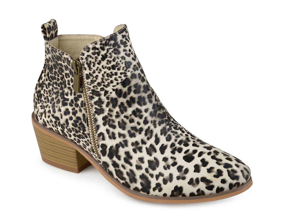 Can we talk about how popular leopard print is this season?? These are the same style/brand as the metallic ones.