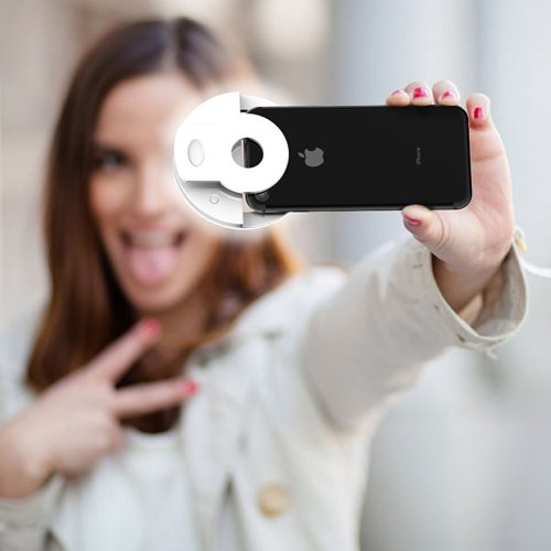 I want this. Don't judge me. Also why is this model doing a 2008 selfie pose?