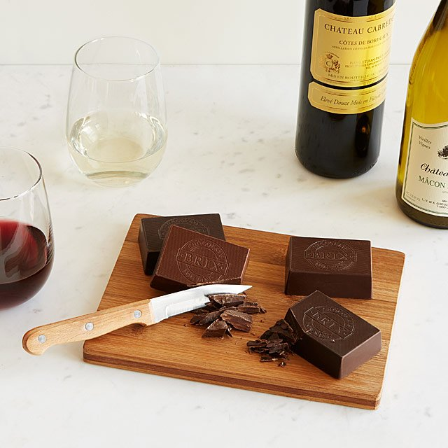 CHOCOLATE + WINE PAIRING SET. JUST ADD WINE!!  COMES WITH: 4 CHOCOLATE BARS, WOOD CUTTING BOARD, KNIFE, TASTING GUIDE